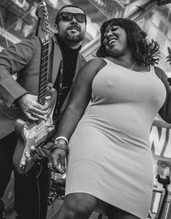Annika Chambers with The Igor Prado Band